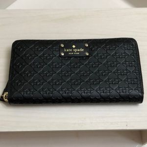 Authentic Kate Spade zip around clutch wallet, NWT